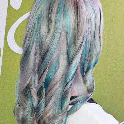 Pastellfarben Haarstraehnen